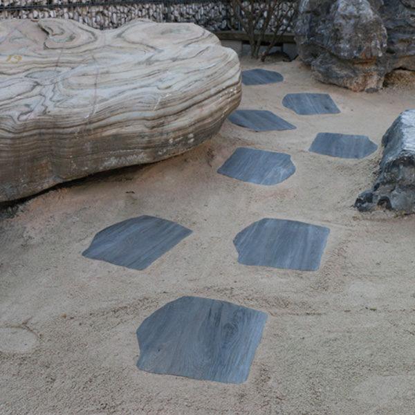camminamento in gres colore holz grigio- passo giapponese Rota Commerciale