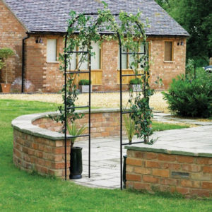arco per giardino decorativo, arco per rampicanti, arco per rose, arco in ferro battuto, giardinaggio Bergamo, Rota Commerciale Bergamo