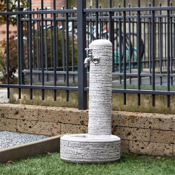 fontana vedovella Brumano, fontana in cemento, fontane in cemento, giardinaggio Bergamo, arredo giardino Bergamo, Rota Commerciale Bergamo