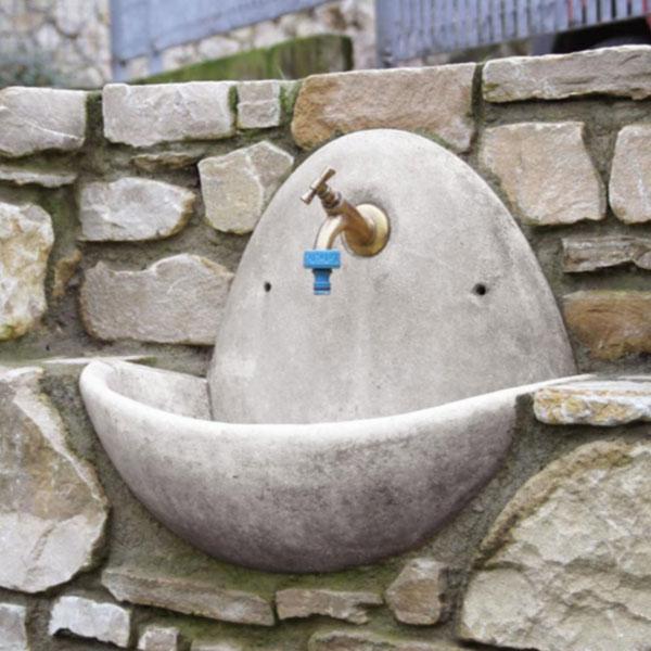 Fontana a muro Fradusta, da giardino, fontana a parete da giardino, Arredo Giardino Bergamo, Fontana Bergamo, Giardinaggio Bergamo, Rota Commerciale Bergamo